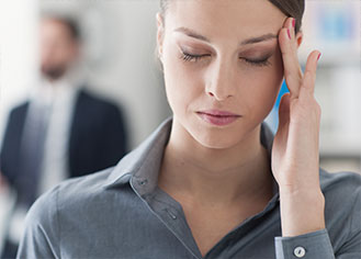 Young Women in Pain from a Cluster Headache